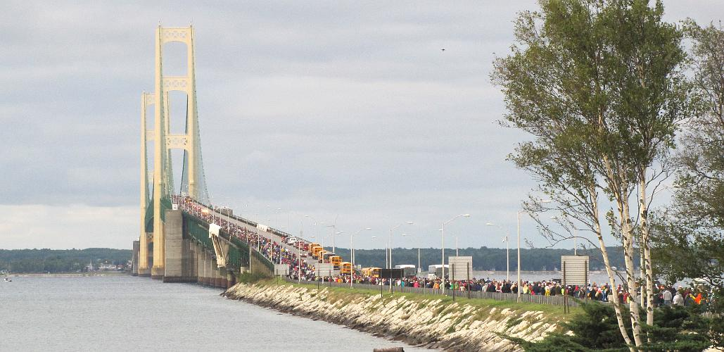 THouseand of walkers crossing the Mackinac Bridge in 2011
