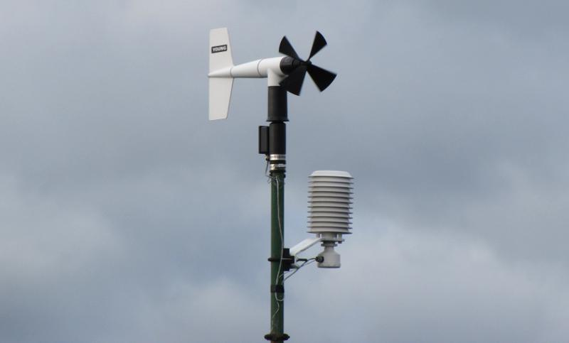 Mackinac Bridge weather station