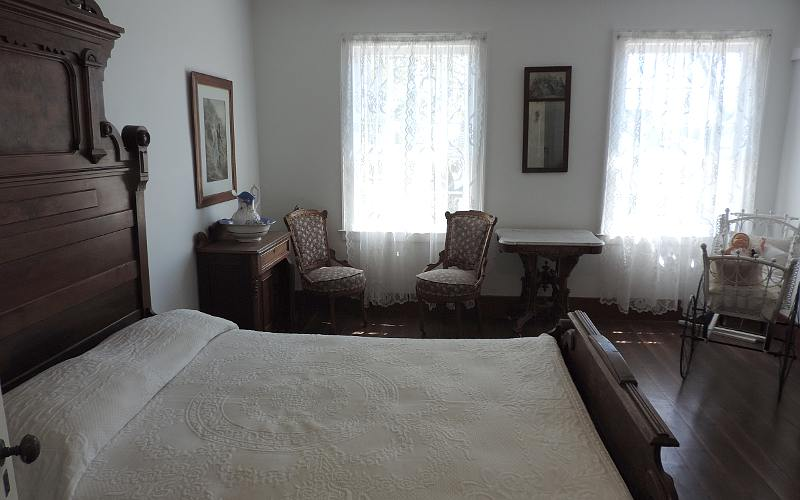 Stuart House City Museum bedroom