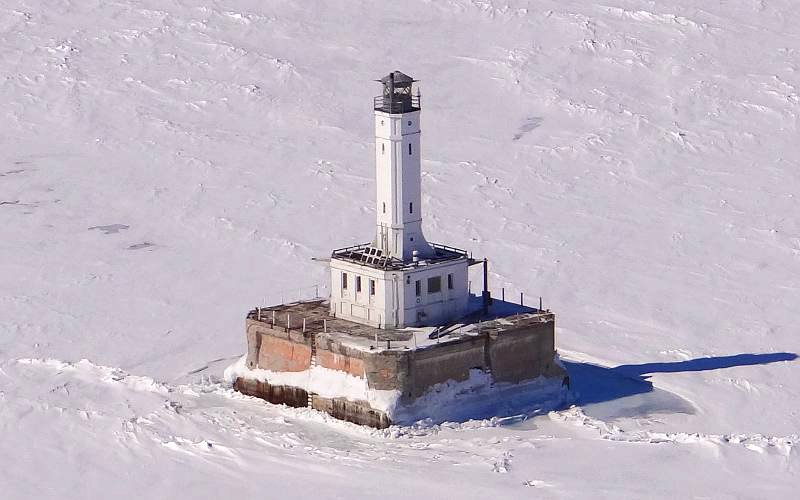 Grays Reef Light - Michigan winter